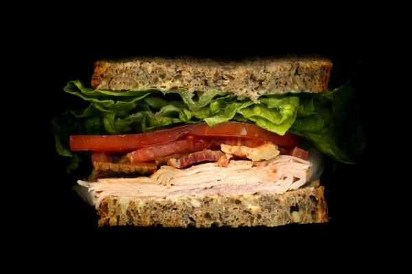Правильный сэндвич: индейка на зерновом хлебе