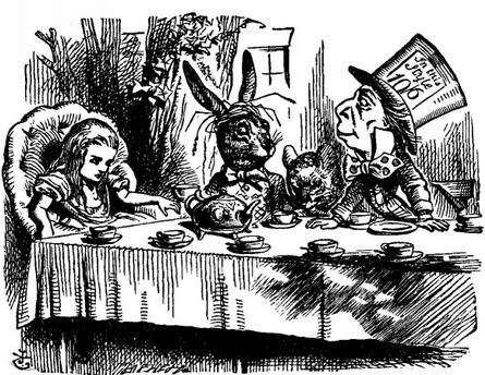 Алиса в стране чудес: какой перевод лучше?